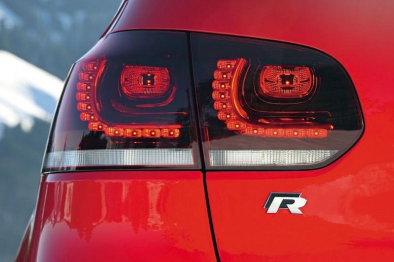 Volkswagen-Golf-R-red-5