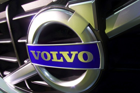 Volvo S60 2010 : Quand on voit le crash test, on comprend ...