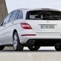 2011 Mercedes R Class facelift 4 200x200 Mercedes Classe R 2010 : Dévoilée officiellement + [MàJ]