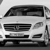 2011 Mercedes R Class facelift 71 200x200 Mercedes Classe R 2010 : Dévoilée officiellement + [MàJ]