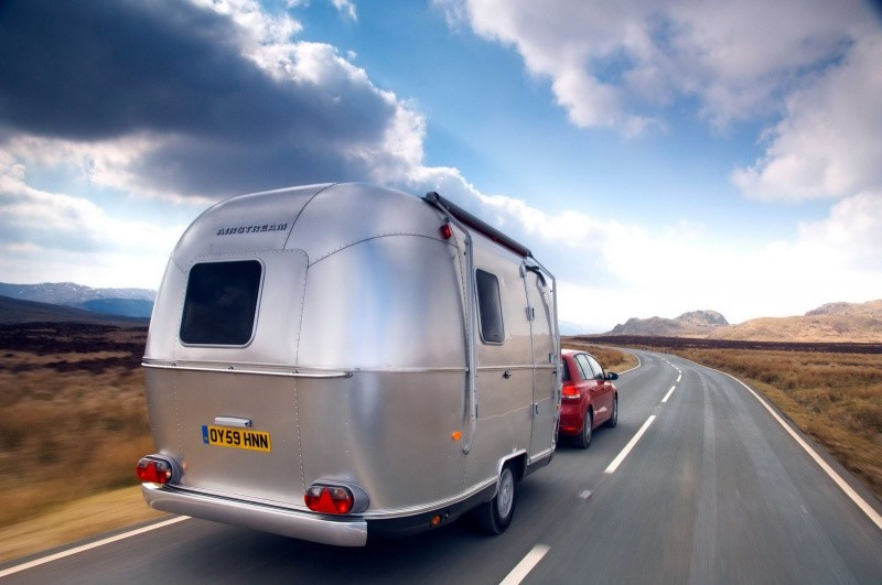 Airstream Bambi 422 L 39 American Way Of Life Port E De Camping Blog Automobile