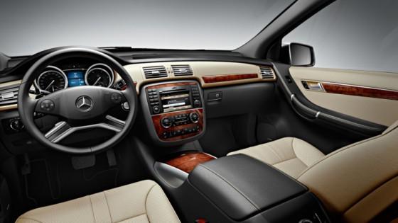 r klasse 2010 06 560x315 Mercedes Classe R 2010 : Dévoilée officiellement + [MàJ]