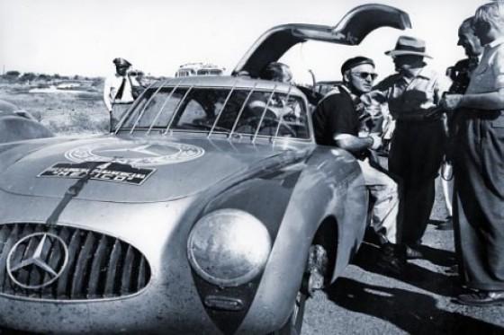 300 sl pana Mercedes SLS AMG et 300 SL : Les Gullwing nous refont la Carrera Panaméricana