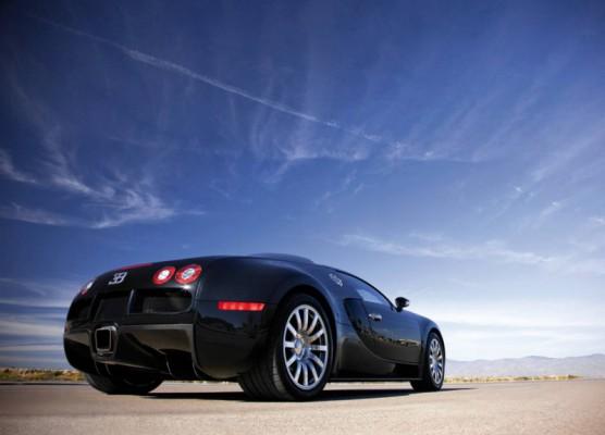 Voitures de rêve... Bugatti-Veyron_2009_30-556x400