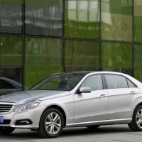 Mercedes Benz E Class L 2011 02 200x200 Mercedes Classe E Longue : La réponse de Mercedes à la serie5 L  ( + vidéo )