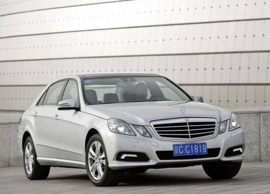 Mercedes Benz E Class L 2011 1 557x400 Mercedes Classe E Longue : La réponse de Mercedes à la serie5 L  ( + vidéo )