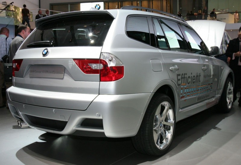 bmw x3 2011 on tease aussi chez bmw blog automobile. Black Bedroom Furniture Sets. Home Design Ideas