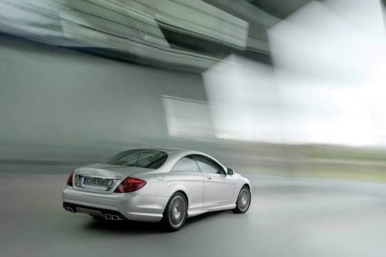 2011 Mercedes CL AMG 15 560x373 Mercedes CL63 AMG : Belle remise à niveau ( + CL65 AMG )