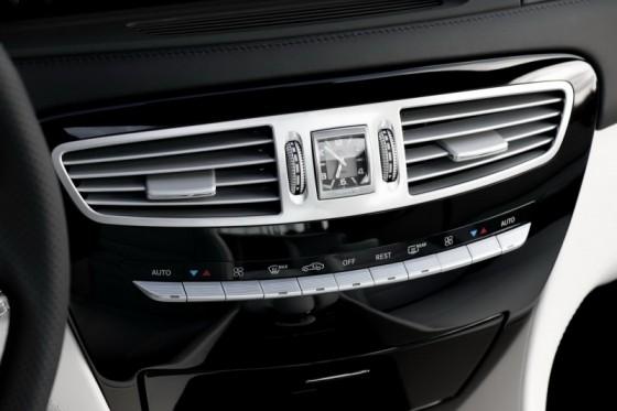 2011 Mercedes CL AMG 17 560x373 Mercedes CL63 AMG : Belle remise à niveau ( + CL65 AMG )