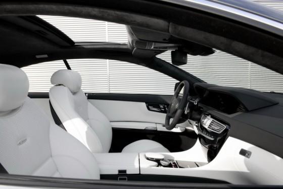 2011 Mercedes CL AMG 191 560x373 Mercedes CL63 AMG : Belle remise à niveau ( + CL65 AMG )