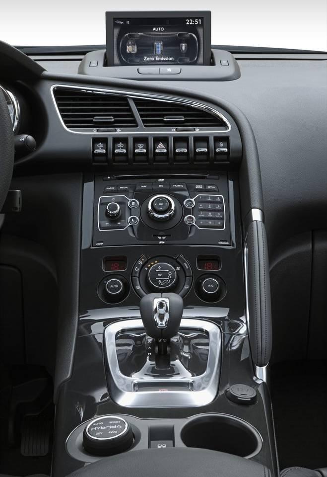 Peugeot 3008 Hybrid4 Le Premier Crossover Diesel Hybride