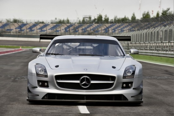 mercedes sls amg gt3 01 560x373 Mercedes SLS AMG GT3 : En essai       ( vidéo )