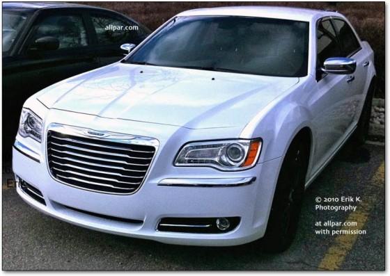 chrysler 300c 2011 en blanc pour cruiser du cot de l a m j blog automobile. Black Bedroom Furniture Sets. Home Design Ideas