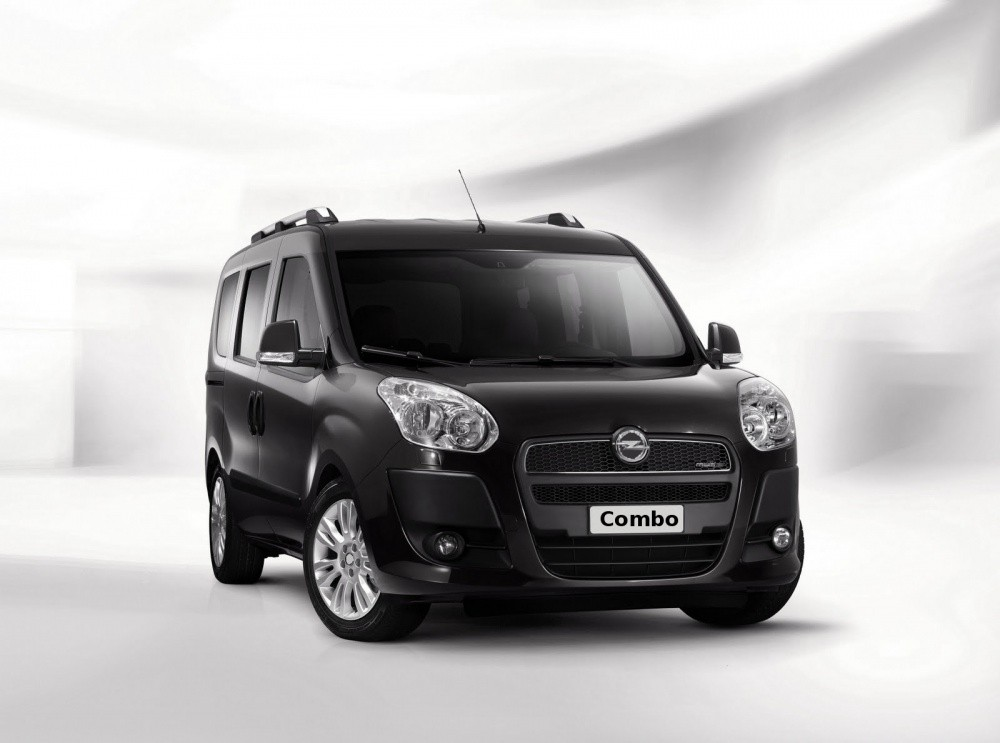opel combo 2012 en partenariat avec fiat blog automobile. Black Bedroom Furniture Sets. Home Design Ideas