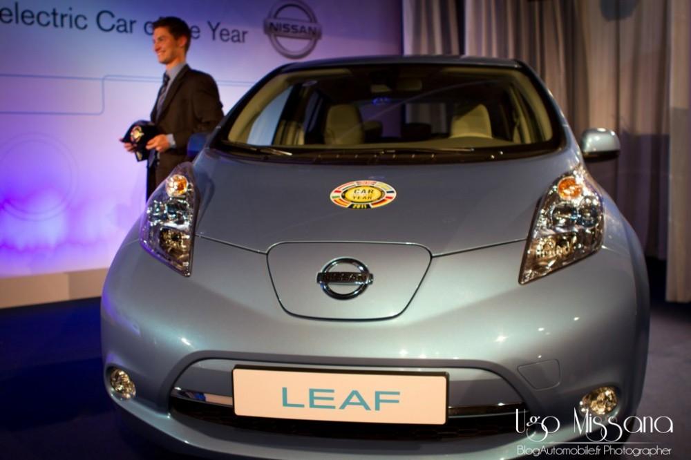 voiture de l 39 ann e 2011 remise du prix paris pour nissan et la leaf blog automobile. Black Bedroom Furniture Sets. Home Design Ideas