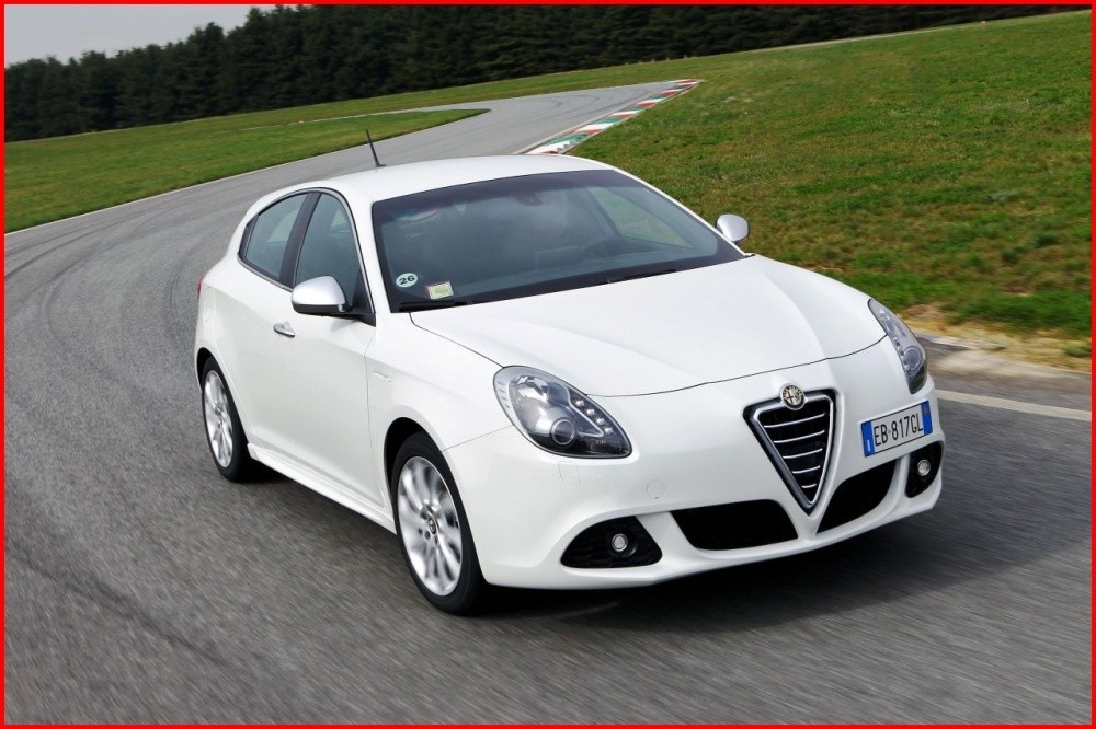 alfa romeo giulietta 2011 super et m me un peu plus vid o blog automobile. Black Bedroom Furniture Sets. Home Design Ideas