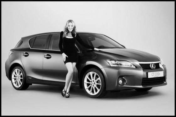kylie-minogue-Lexus-ct-200h-1-560x372