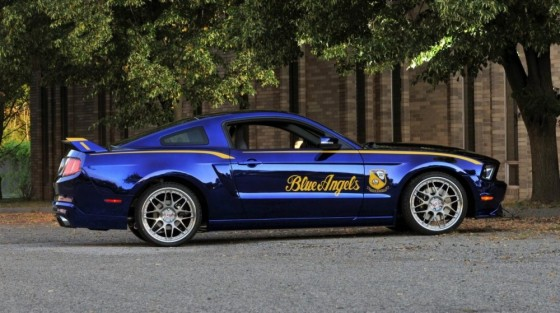 Photo FordustangBlueAngelsEdition 03 560x313 Ford Mustang Blue Angels Edition : Only one     (vidéo)