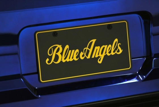 FordustangBlueAngelsEdition 09 560x375 Ford Mustang Blue Angels Edition : Only one     (vidéo)