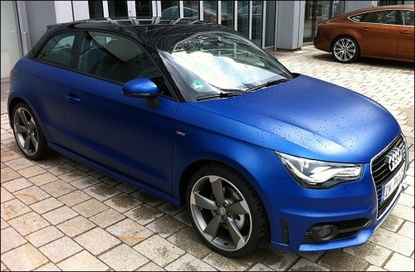 audi a1 1 4 l tfsi 185 bleu mat pour changer du gris ou du noir blog automobile. Black Bedroom Furniture Sets. Home Design Ideas