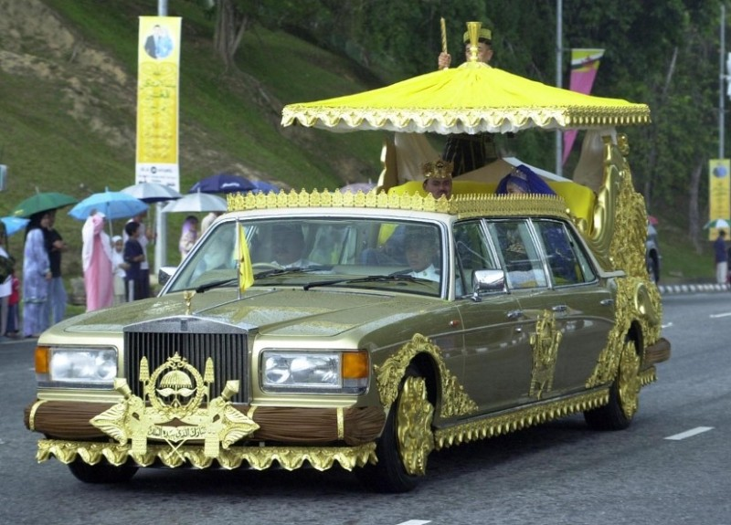 c 39 est la crise le sultan de brunei se s pare de 21 de ses voitures blog automobile. Black Bedroom Furniture Sets. Home Design Ideas