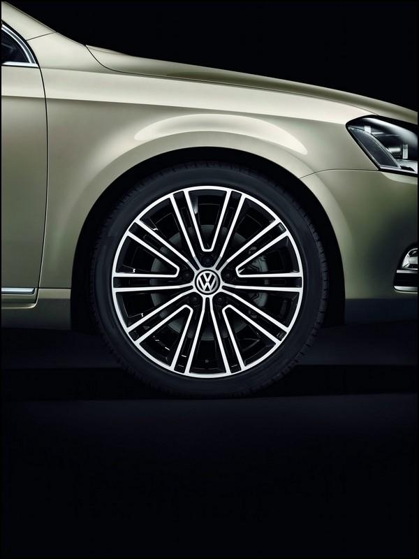 volkswagen passat exclusive plus luxueuse que la carat blog automobile. Black Bedroom Furniture Sets. Home Design Ideas