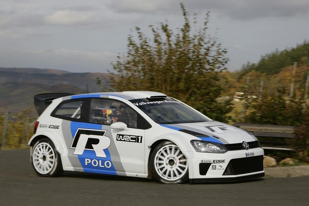 vw polo wrc ses premiers tour de roues avec le grand carlos blog automobile. Black Bedroom Furniture Sets. Home Design Ideas
