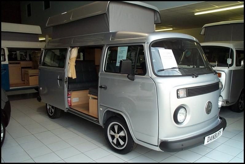 volkswagen t2 camper il revient blog automobile. Black Bedroom Furniture Sets. Home Design Ideas