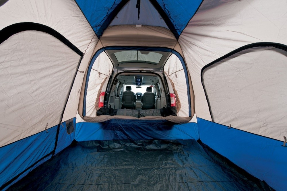 lancia une ligne d 39 accessoires pour les thema et voyager blog automobile. Black Bedroom Furniture Sets. Home Design Ideas