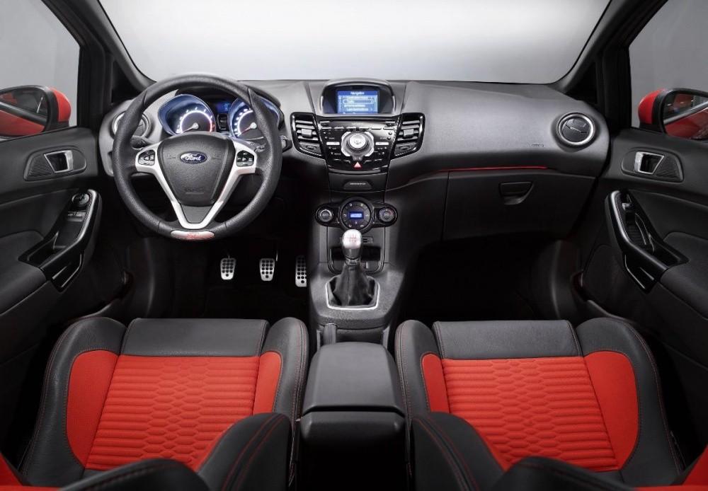 Ford Fiesta St La Petite Sportive Rouge De La Marque 224 L