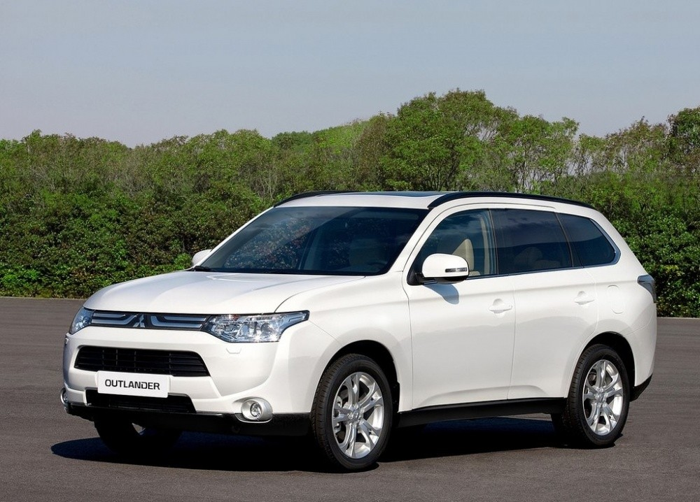 mitsubishi outlander 2013 le suv mou galerie vid o blog automobile. Black Bedroom Furniture Sets. Home Design Ideas
