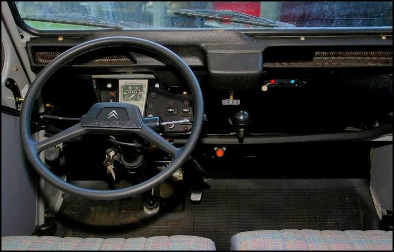 passion triste fin pour la 2cv de roger brioult blog automobile. Black Bedroom Furniture Sets. Home Design Ideas