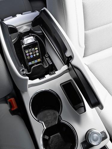 Mercedes Benz et iPhone - 2.jpg