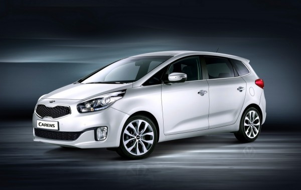 Photo Kia Carens front 600x379 Kia Carens 2013 : La bonne allure