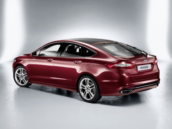 Photo ford mondeo hatchback 2013 600x450 Ford Mondeo 2013 : Fusion mondiale