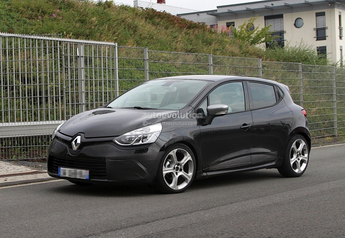renault clio iv des spyshots de la version gt et une vid o de la rs blog automobile. Black Bedroom Furniture Sets. Home Design Ideas