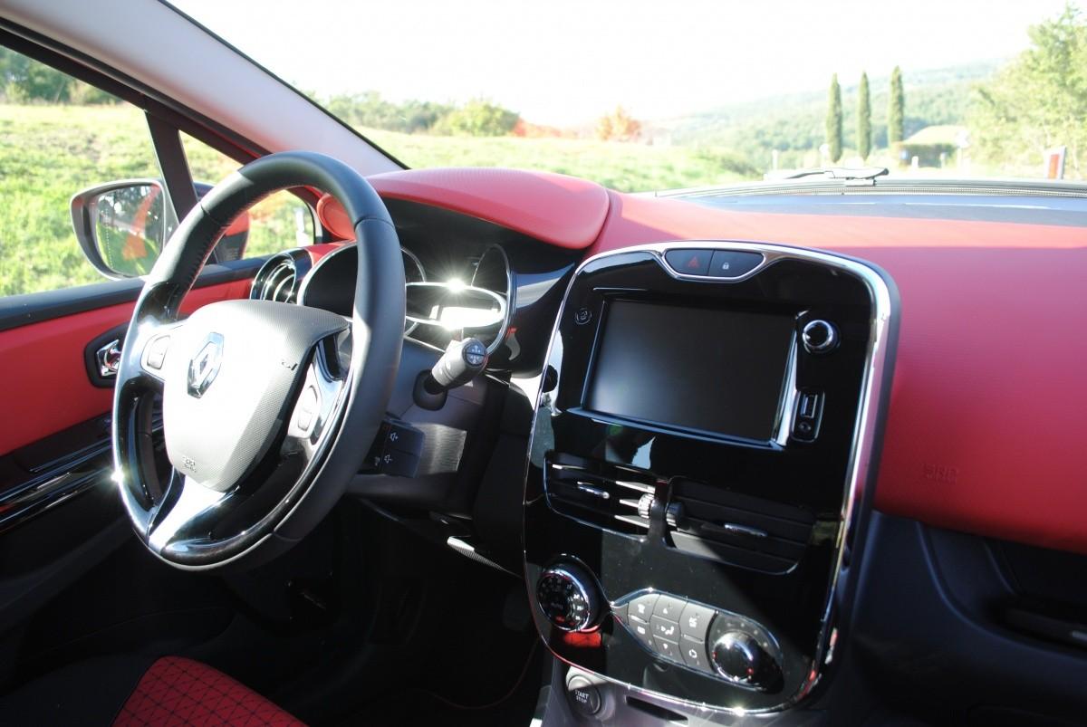 Renault clio iv la love machine blog automobile for Interieur 050
