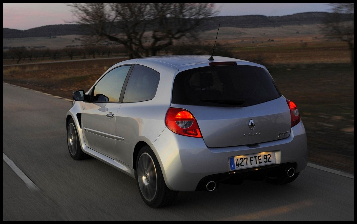 renault clio iii rs this is the end vid o blog automobile. Black Bedroom Furniture Sets. Home Design Ideas