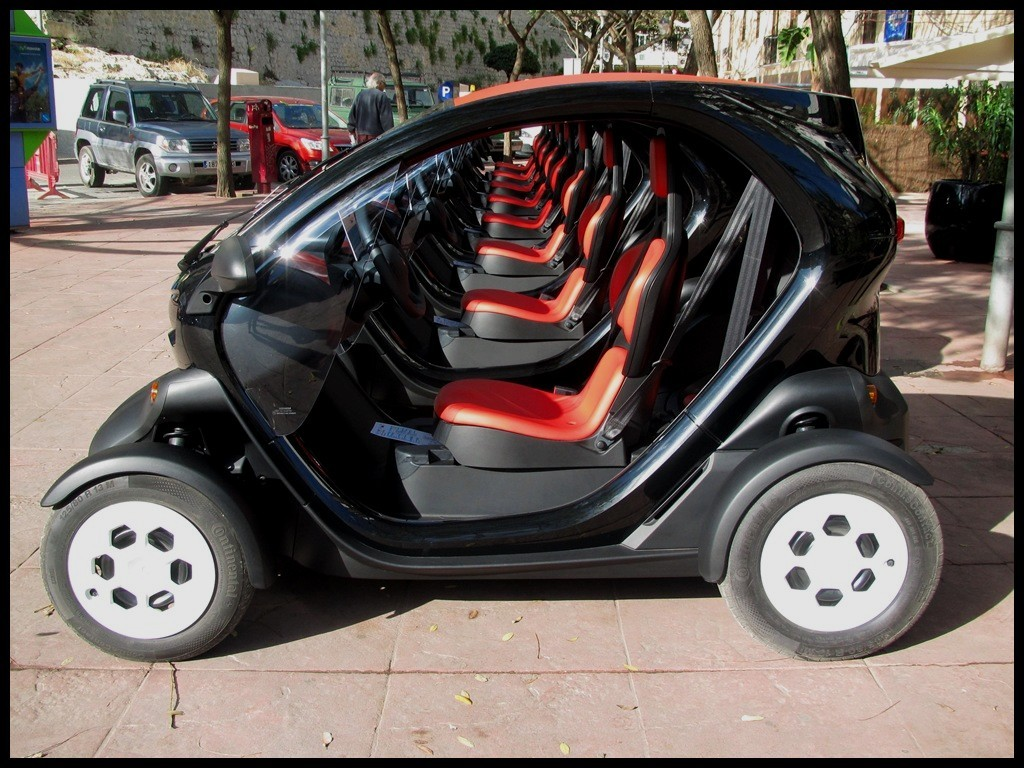renault twizy elles seraient plus de sur les. Black Bedroom Furniture Sets. Home Design Ideas