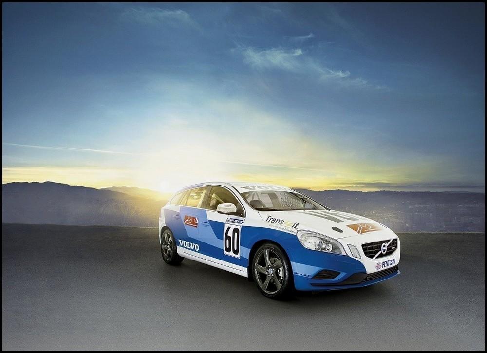 Volvo-V60-Racing