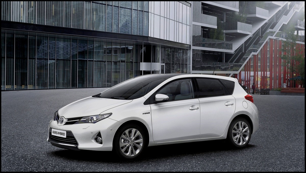 toyota auris 2013 la tarif 39 blog automobile. Black Bedroom Furniture Sets. Home Design Ideas