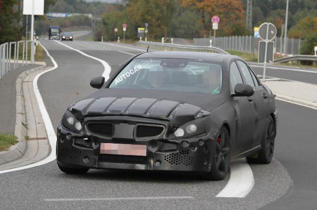 Mercedes C63 AMG 2014 (2)