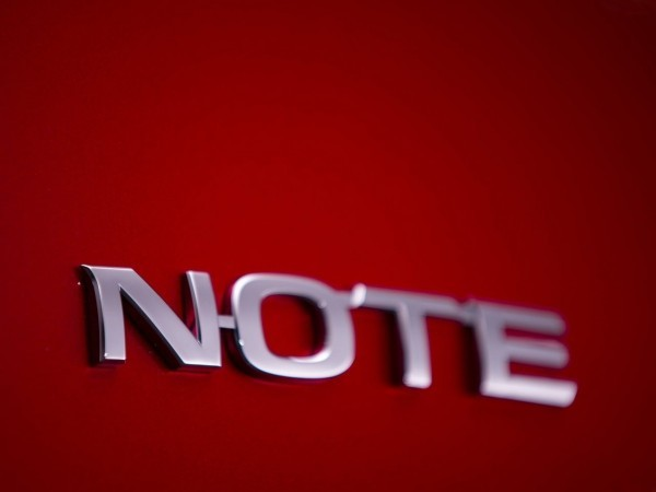 Nissan-Note_2013-2014.26