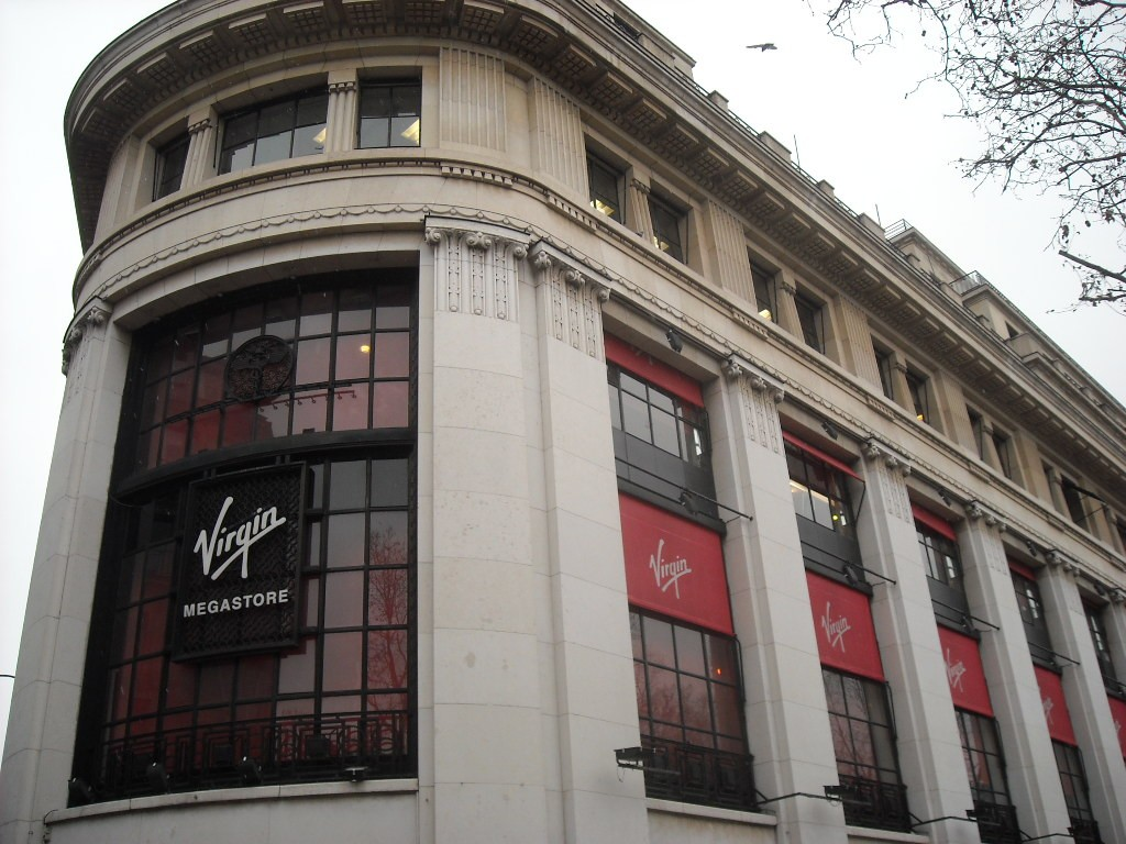 Virgin Megastore Paris
