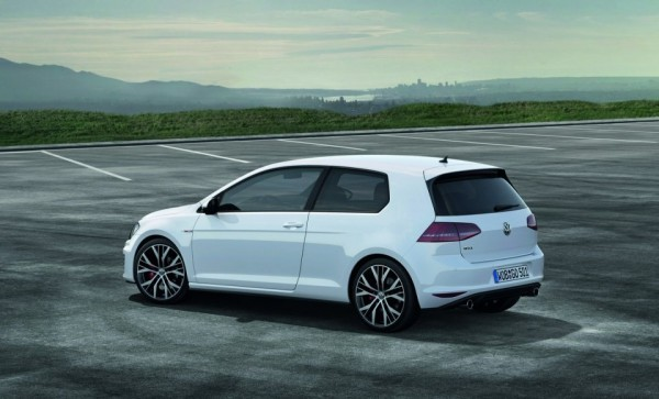 Volkswagen_Golf_GTI.2