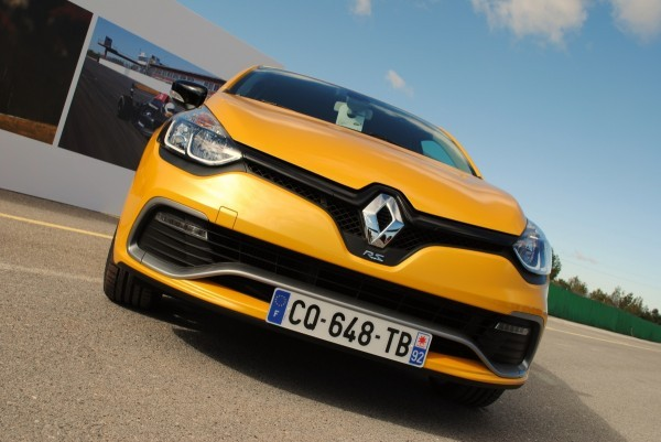 CLIO ESTATE RS 149
