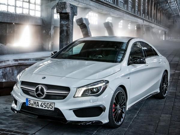 Mercedes-CLA-AMG-2013-1
