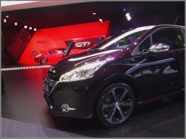 Peugeot-208 XY