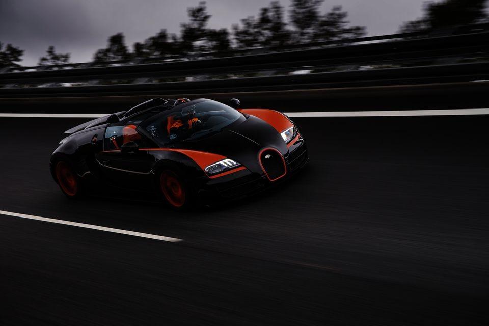 bugatti veyron 16 4 grand sport vitesse le roadster le plus rapide du monde vid o blog. Black Bedroom Furniture Sets. Home Design Ideas