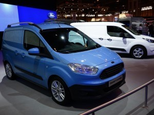 Ford-Transit-Courier.11